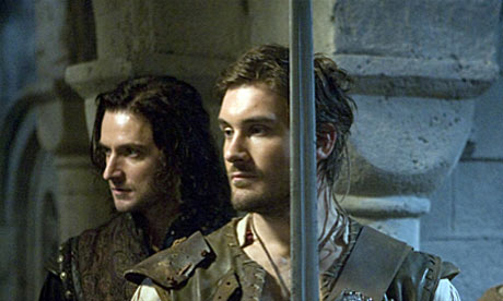 Clive-Standen-as-Archer-i-001