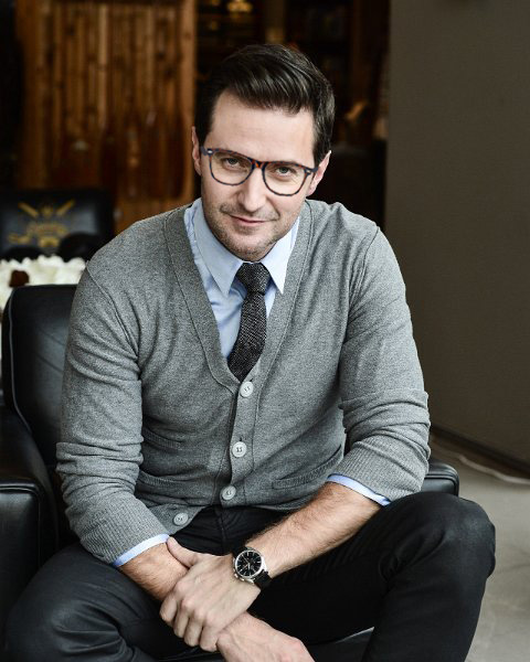 Richard Armitage cardigan glasses New York The Hobbit