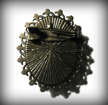 Thornton brooch back